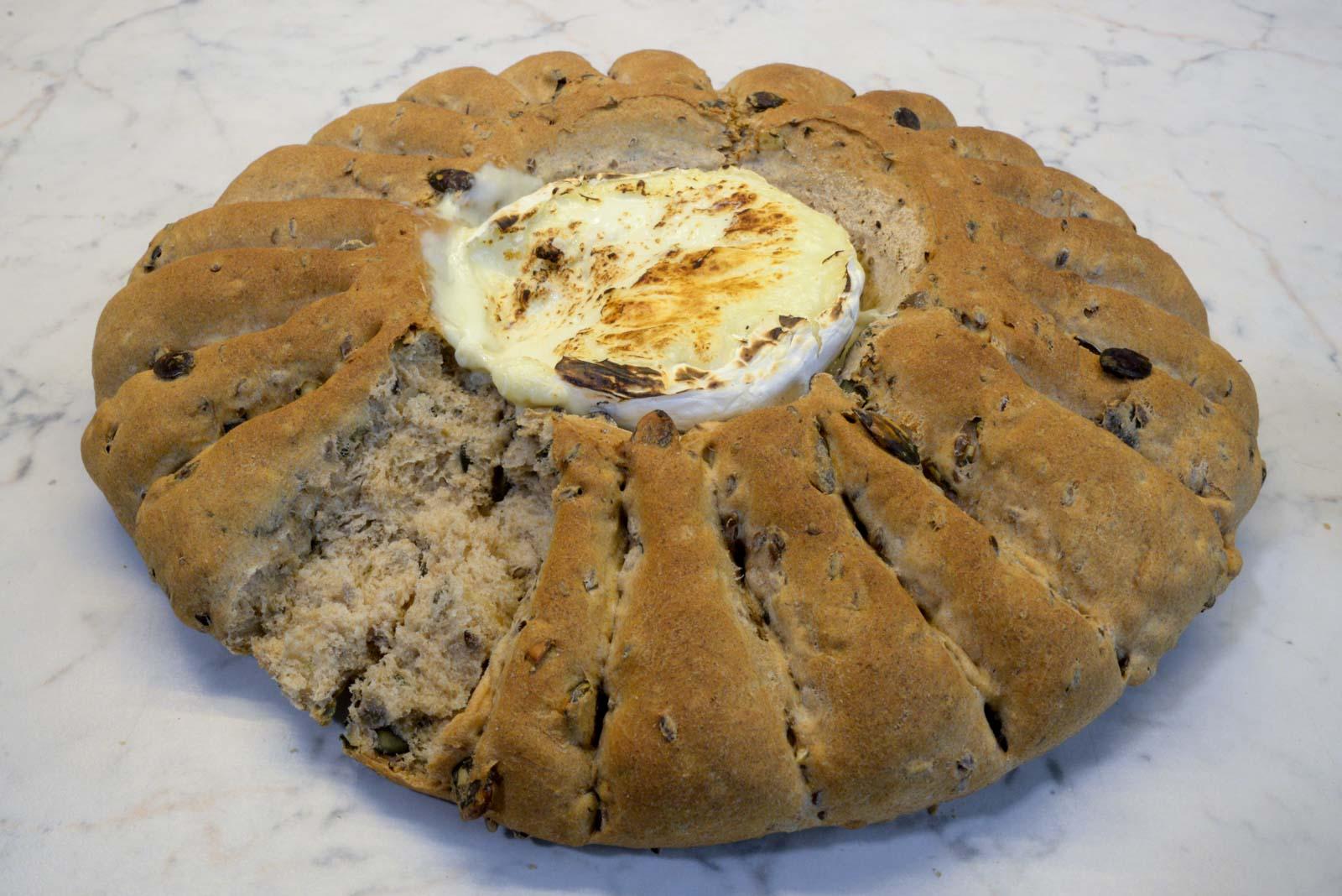 Thumbnail Camembert Brot